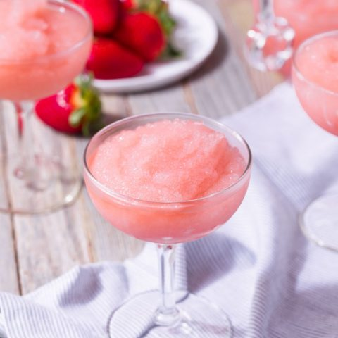 Easy Frosé recipe for cocktails